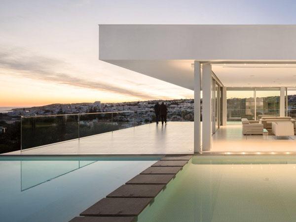 une maison contemporaine avec vue mer - Maison De Luxe Ultra Moderne